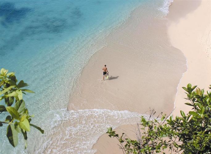 Belmond-la-samanna-beach.jpg