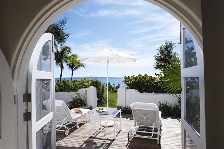 Belmond-la-samanna-bed-patio.jpg