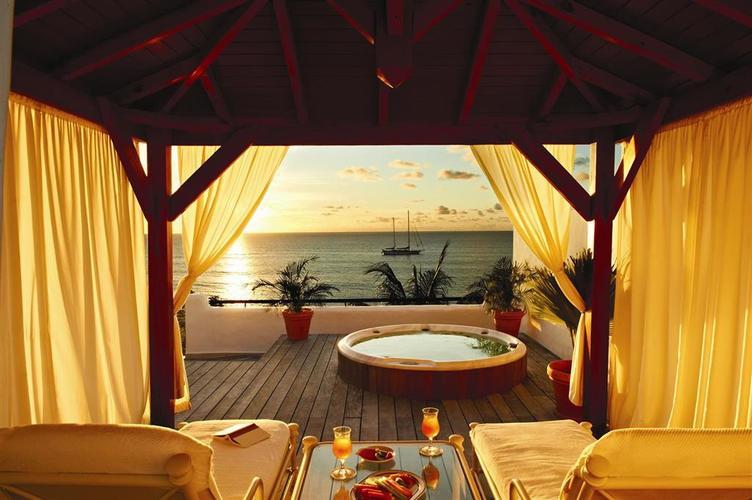 Belmond-la-samanna-pool-suite.jpg