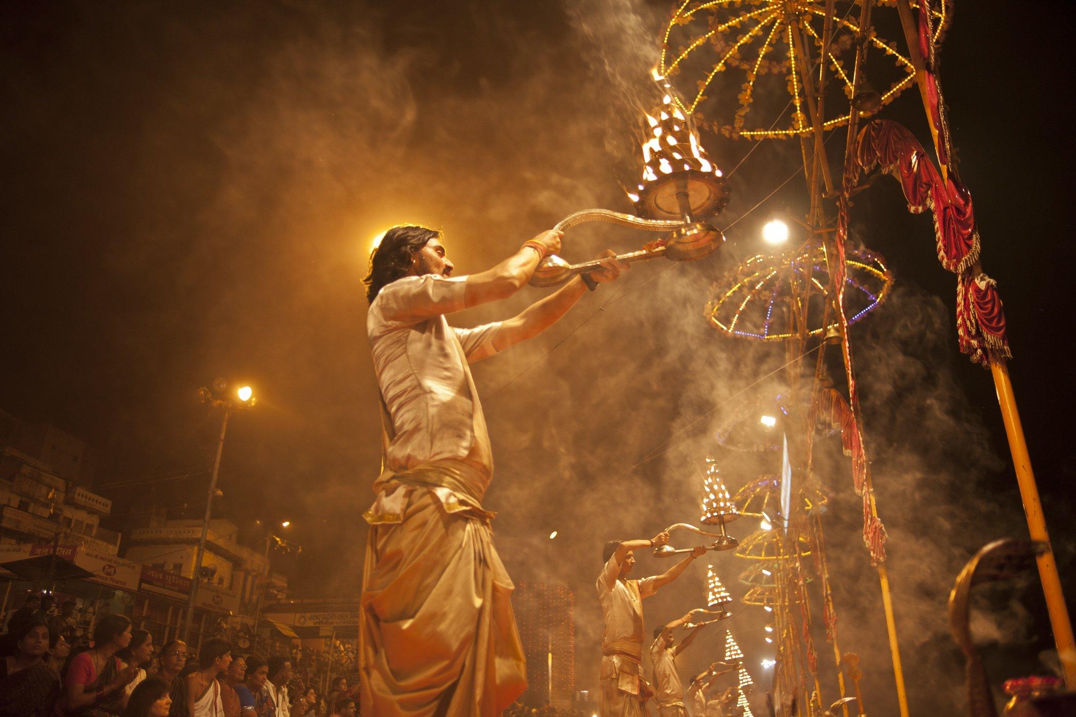 India_aarti_ceremony.jpg