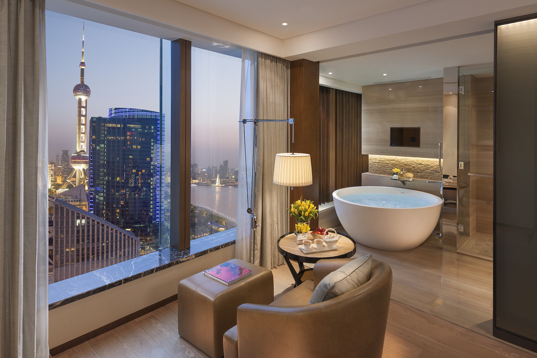 shanghai-room-mandarin-river-bathroom.jpg