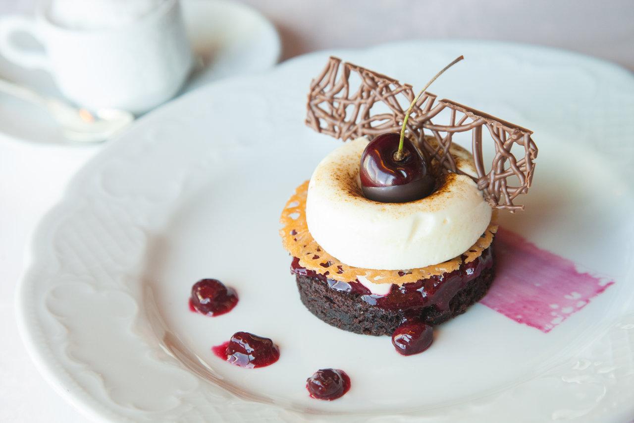 crystal_cruises_modern_cuisine_deconstructed_black_forest_cake.jpg