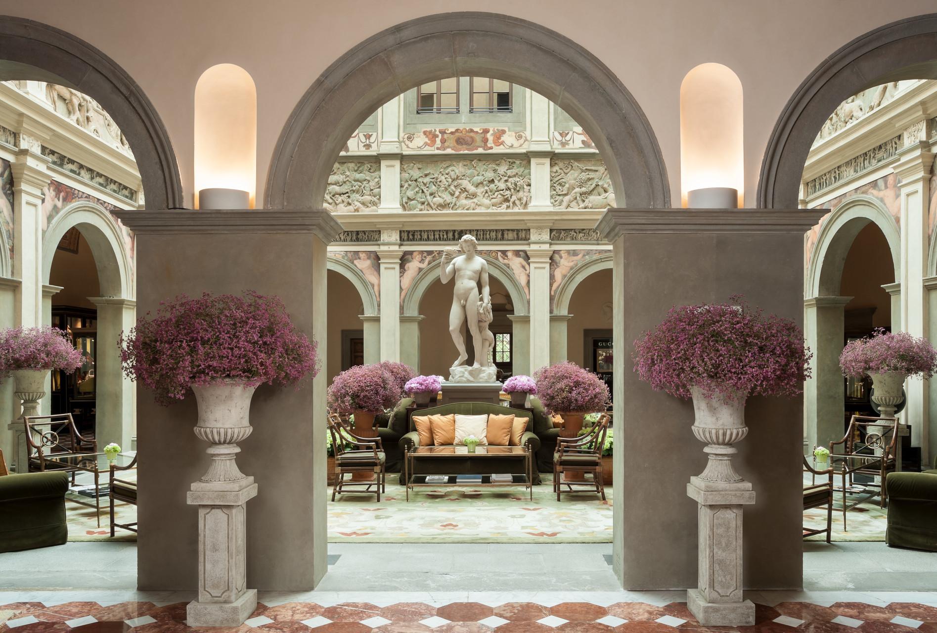 Four Seasons Hotel Firenze Lobby.jpg