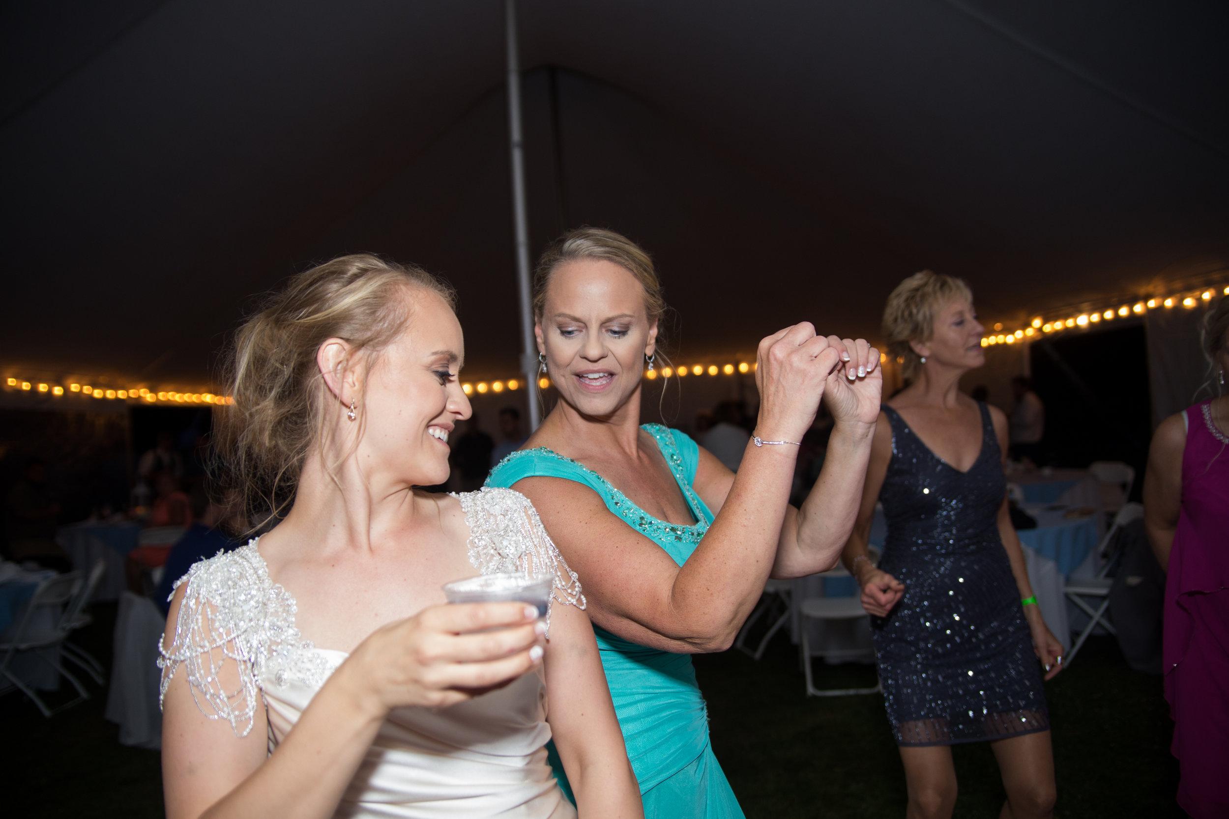 dancing (3 of 3).jpg