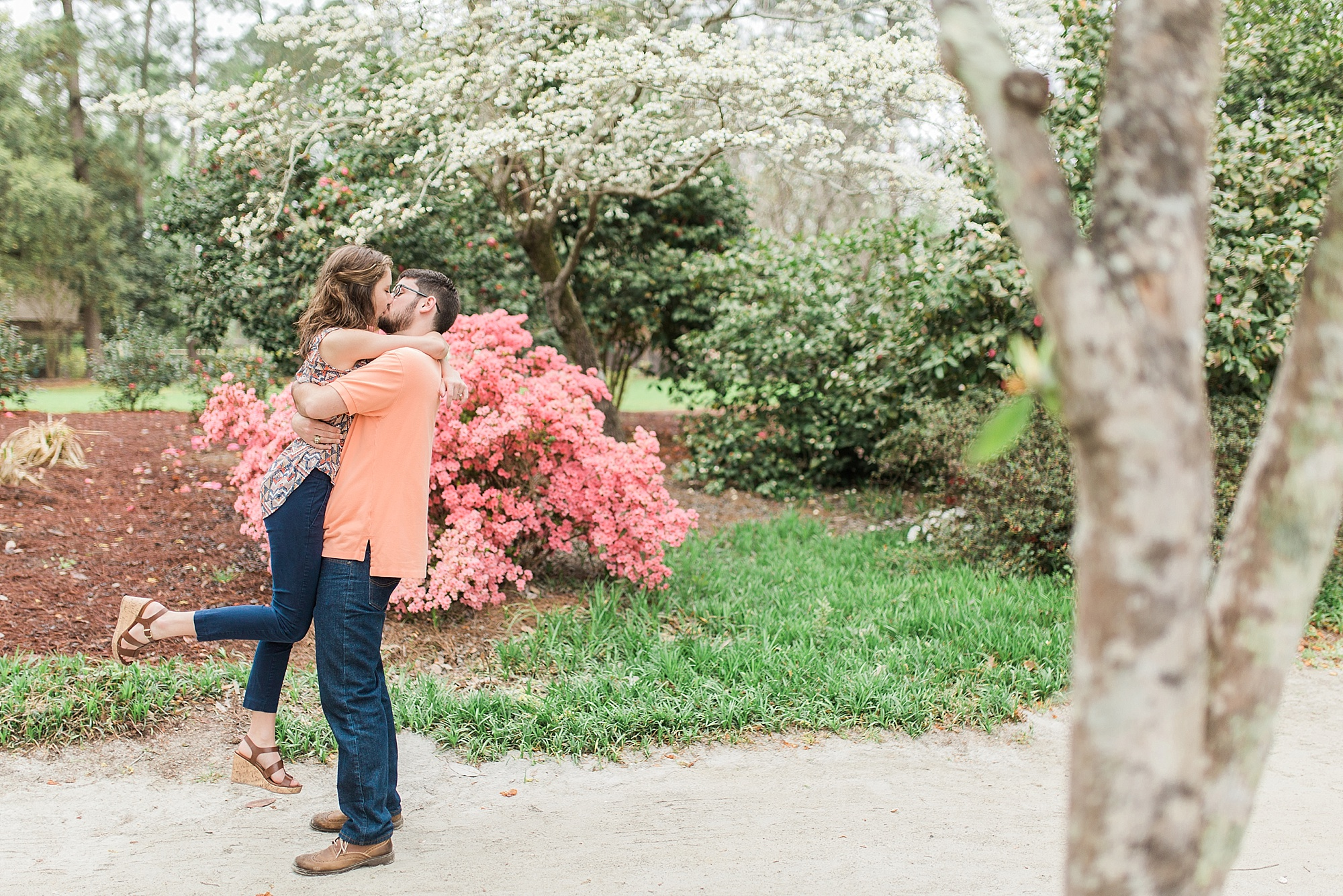 Spring engagement pictures with flowers
