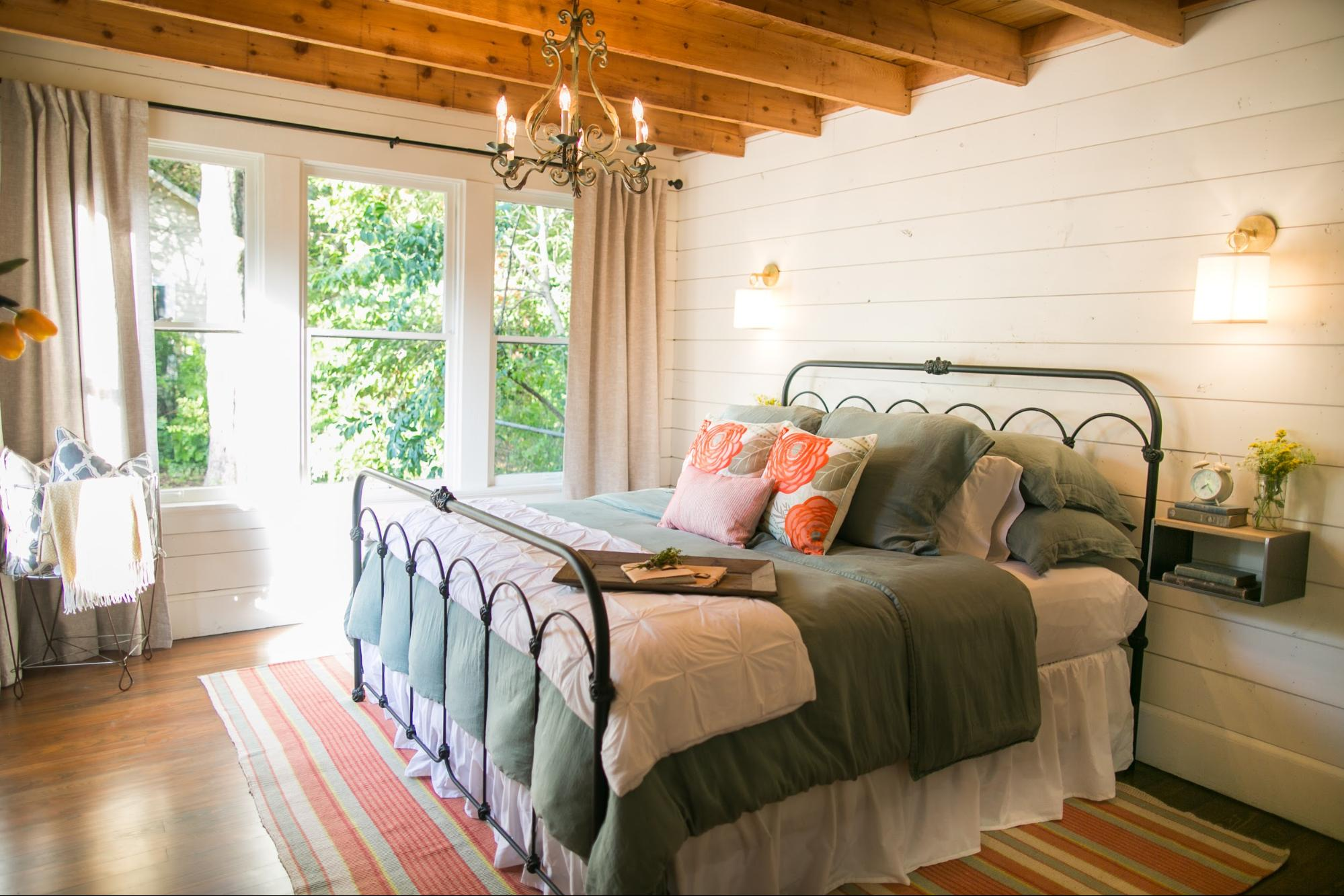 """Image is of the """"Beanstalk Bungalow"""" home in  Fixer Upper"""
