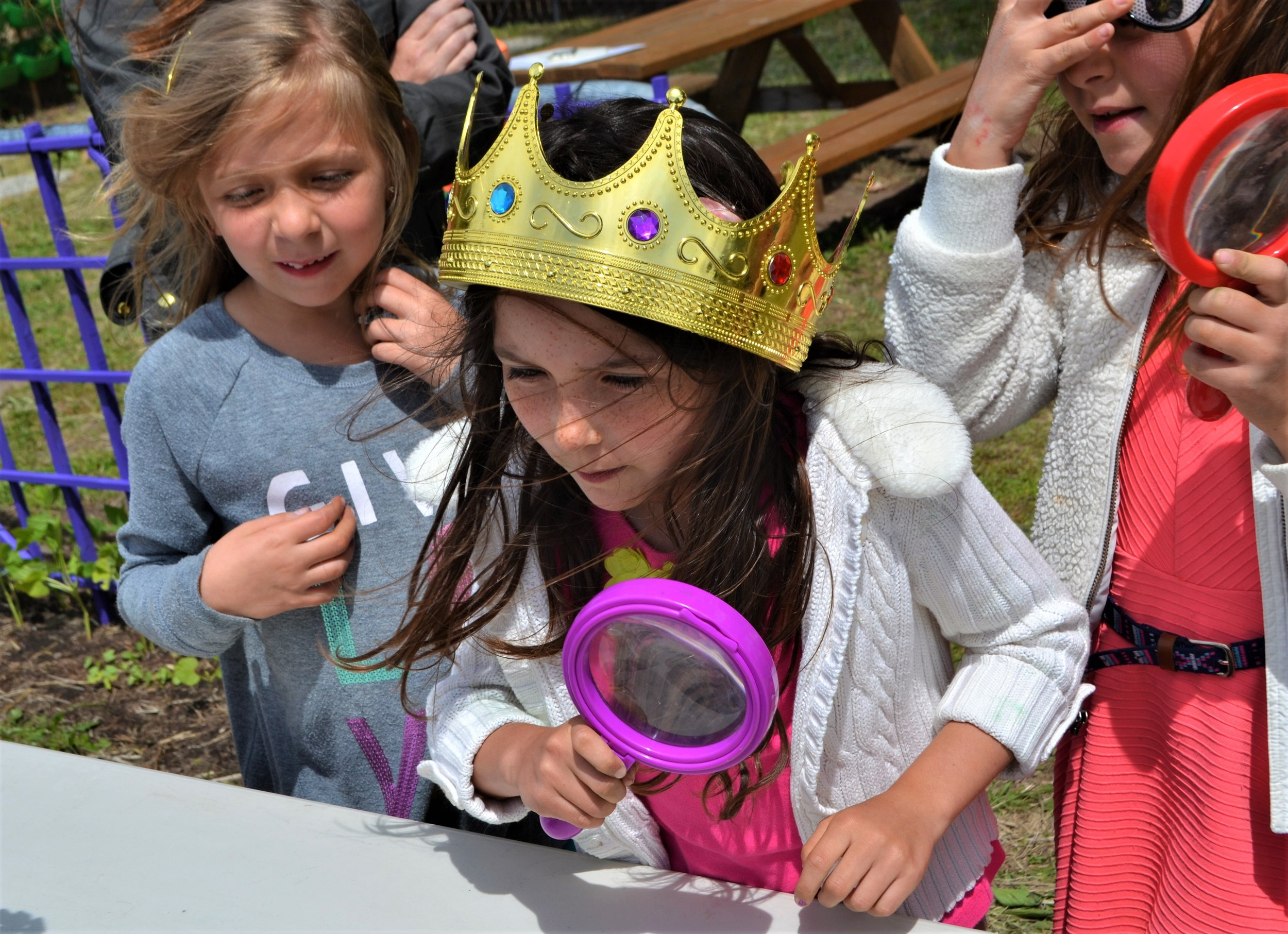 """A student at Prestwood Elementary in Sonoma plays """"Queen Bee""""!"""