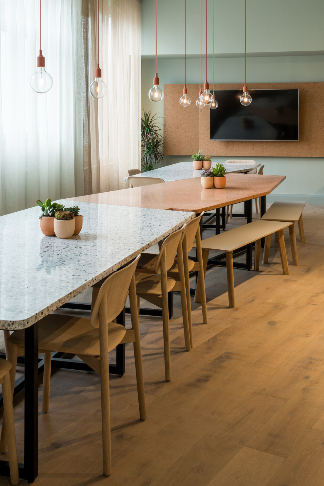 Projects_Office_QUEENS_PARK_TABLE_credit-frenchandtye.jpg