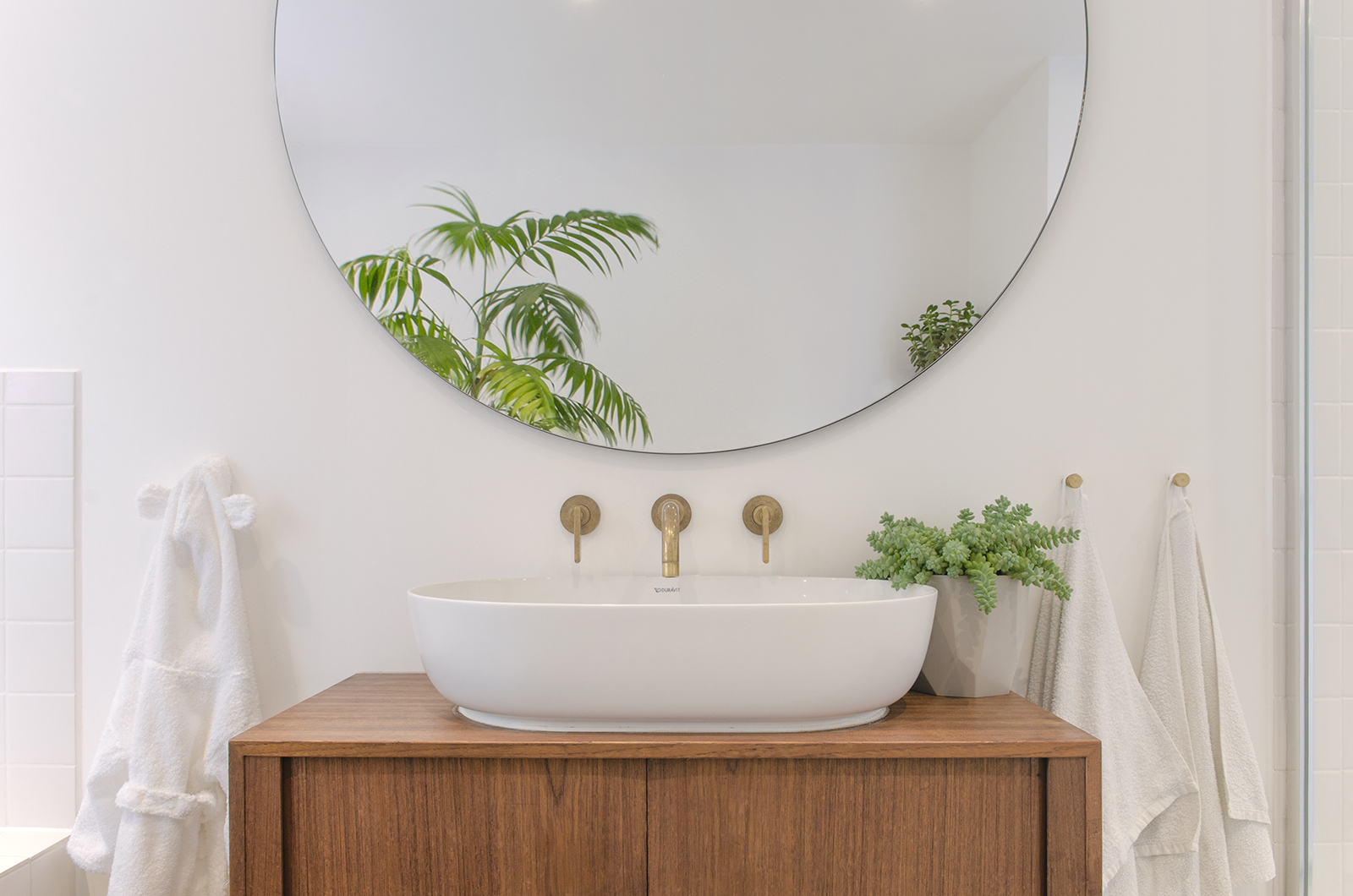 Projects_Office_Southgate Road_Bathroom Unit.jpg