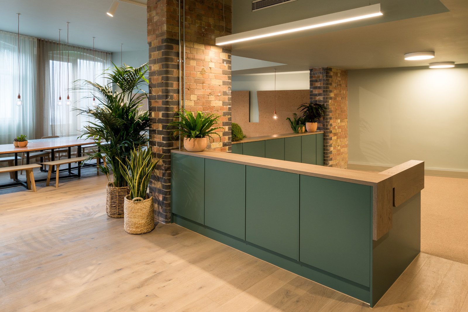 Projects_Office_QUEENS_PARK_RECEPTION_credit-frenchandtye.jpg