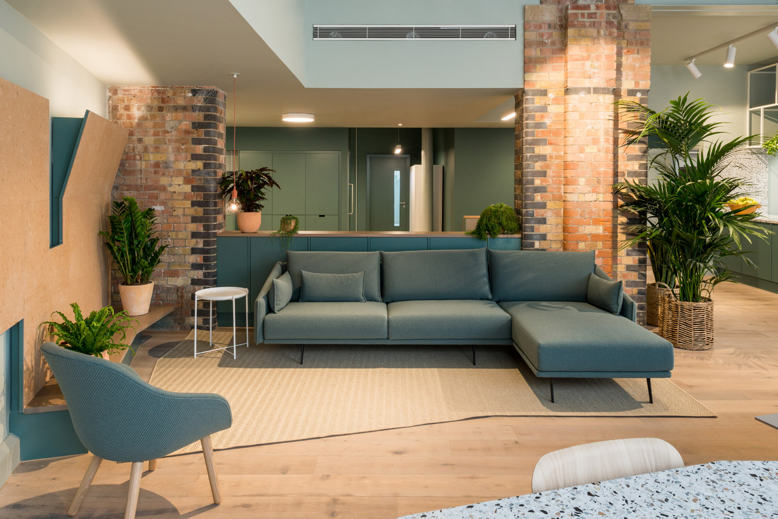 Projects_Office_QUEENS_PARK_LOUNGE_APERTURE_credit-frenchandtye.jpg