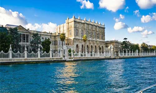 Dolmabahce Palace / Museum