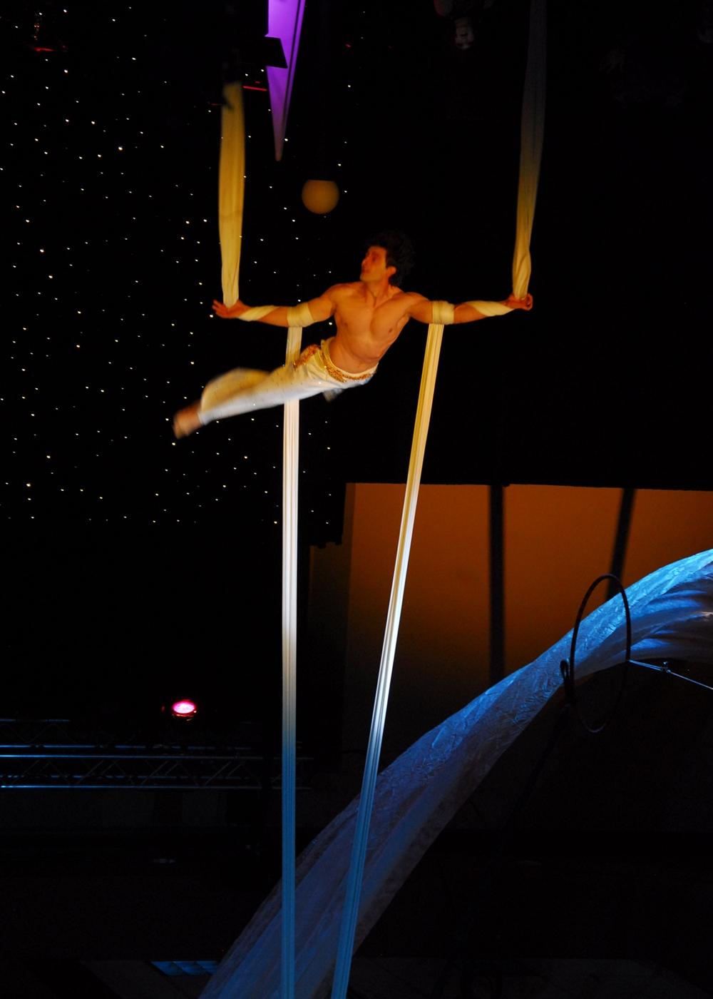 la-grande-cirque-7.jpg