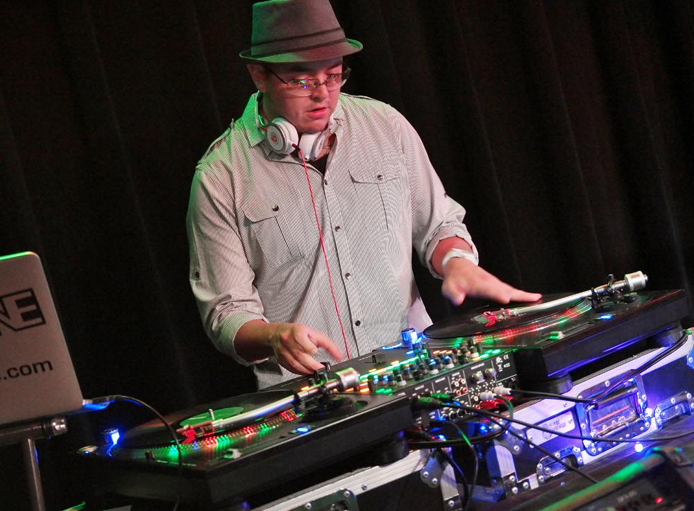 DJ SHAKE ONE