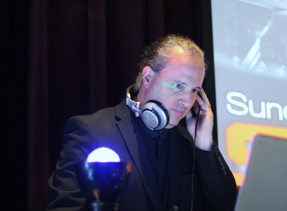 DJ DANI Z  / Versatile and experienced in all event and occasions
