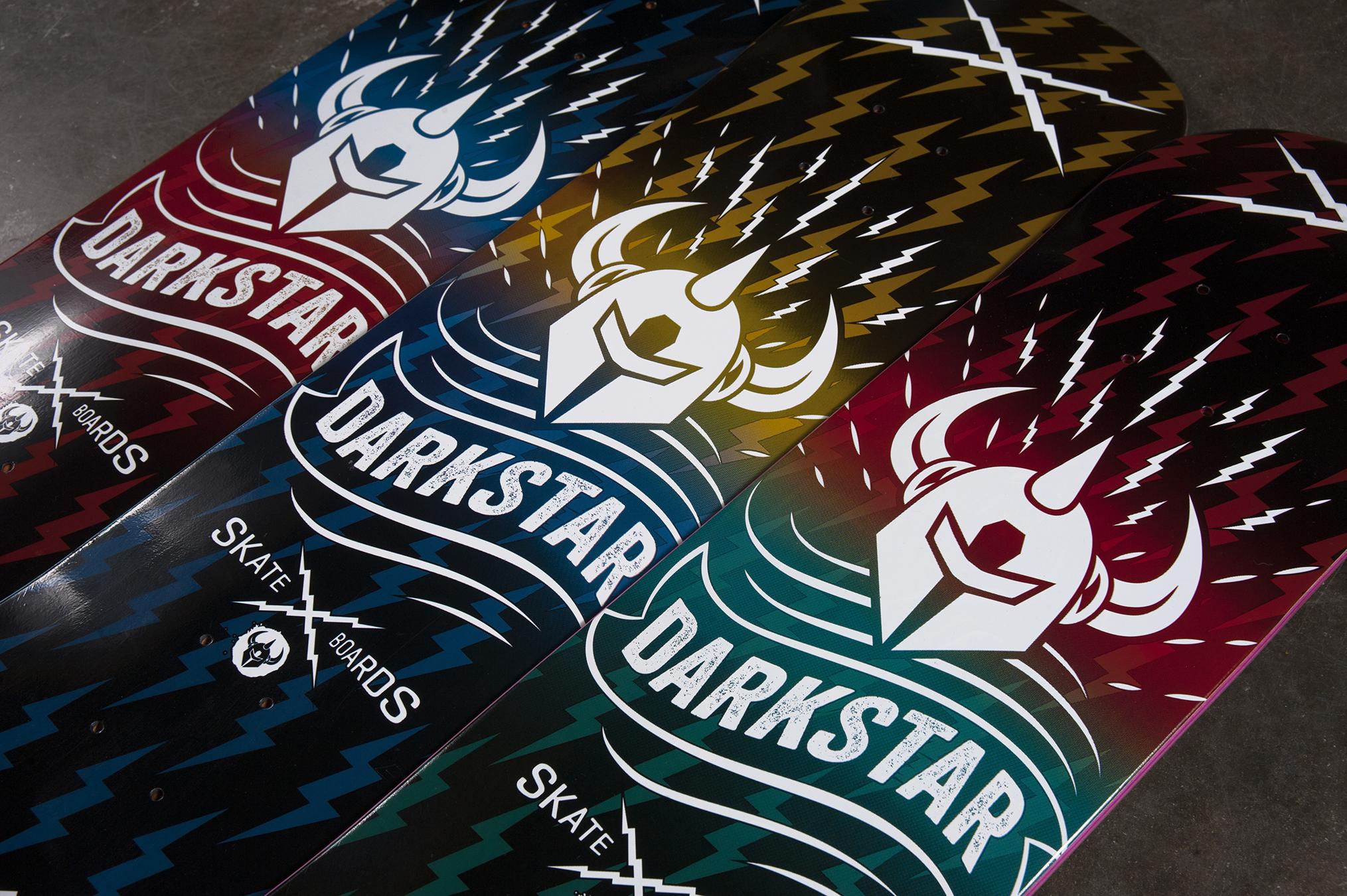 darkstar-skateboards-D4-Axis-Powerdeal1.jpg