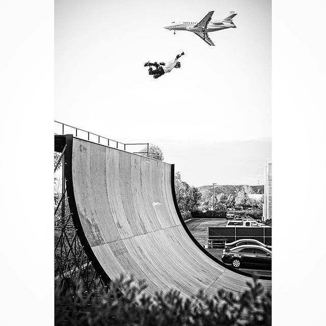 #tbt Method air on Megaramp 2.0 by Palomar airport as a private jet approaches for Landing 💯🛩💫 . . . . 📷 @danmathieu #privatejet #megaramp #methodair #skateboard #skateboardingisfun #photooftheday #picoftheday #blasting #boosting #floating #stressrelief #passion