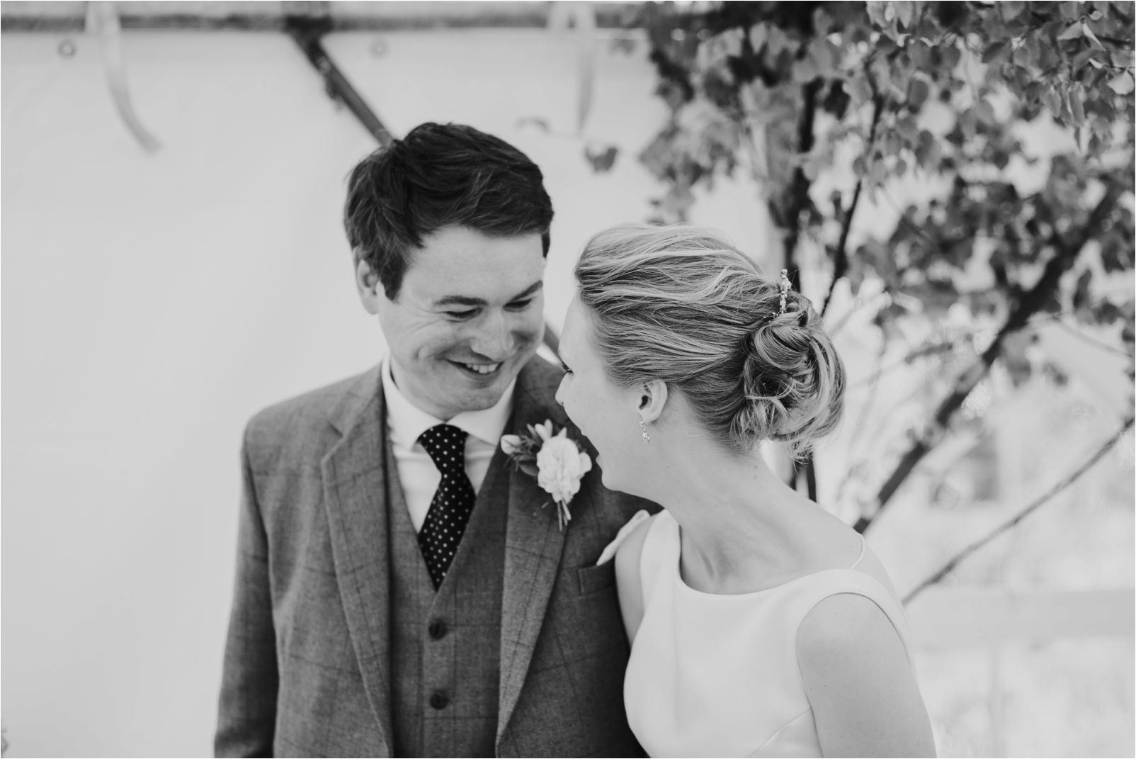Photography 78 - Scottish Wedding Photographer - Araminta & Jamie_0071.jpg