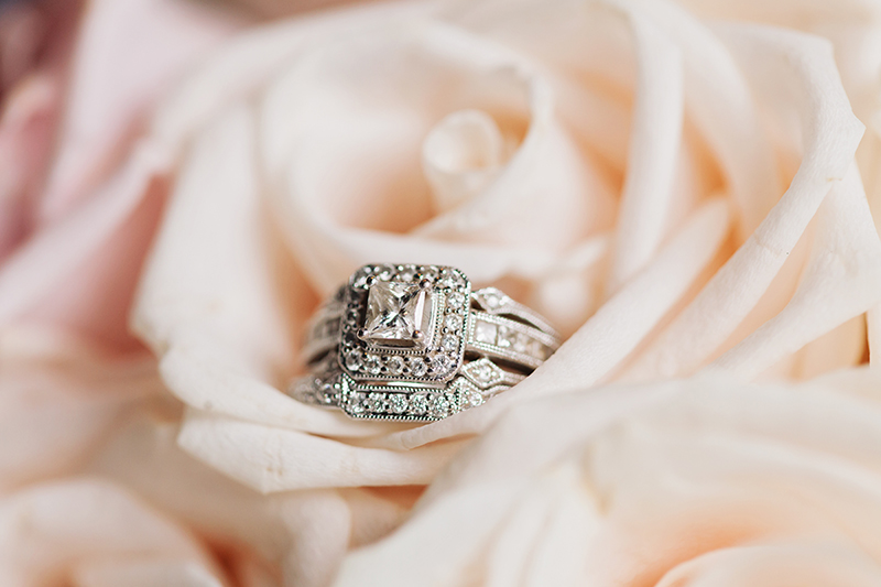 engagement/wedding rings in pink flower