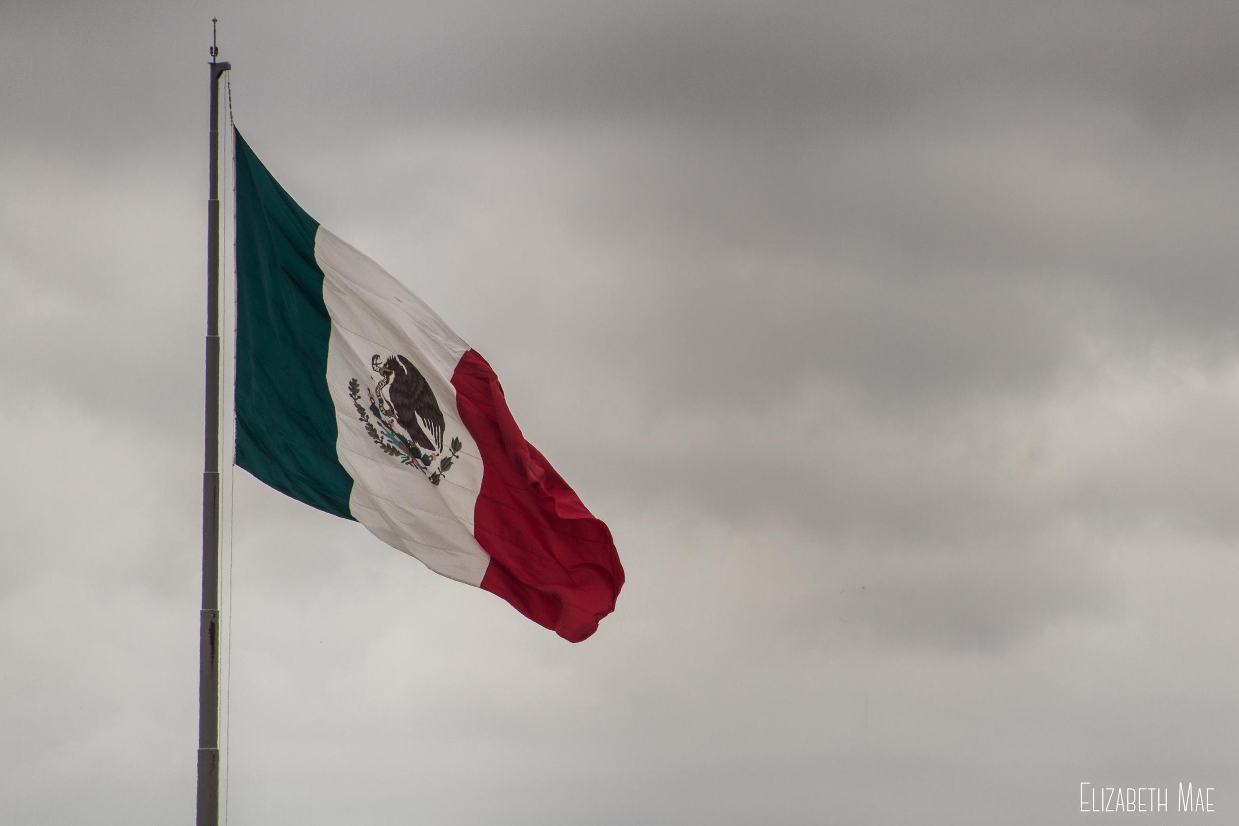 Mexico_Flag_Elizabeth_Mae_Photography