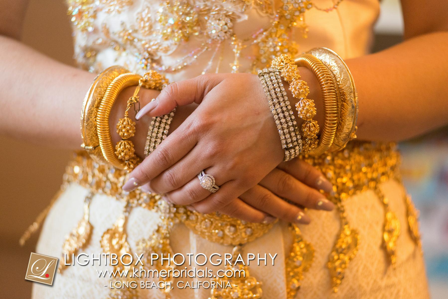 Khmer Bridal Wedding Photography video Apsara Studio Oufit-106.jpg