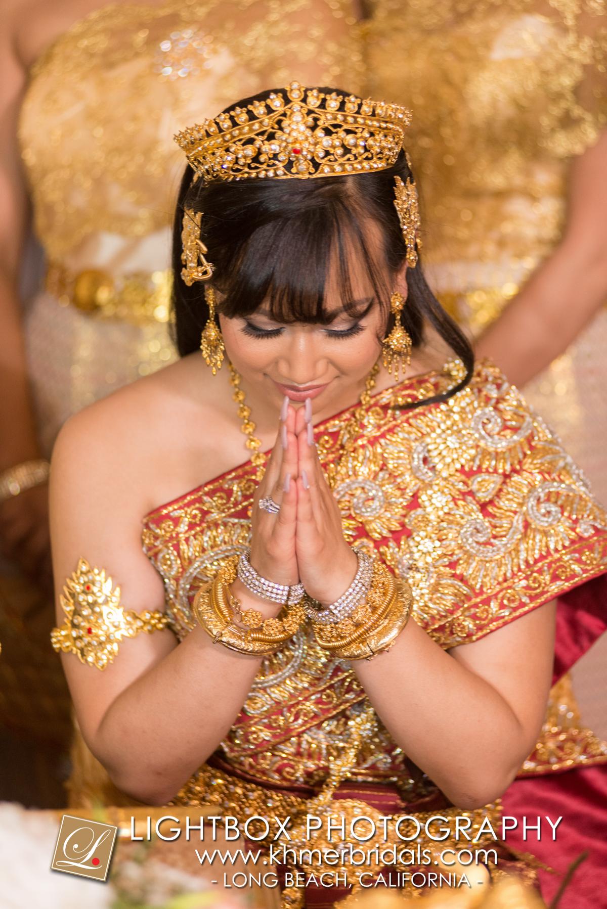 Khmer Bridal Wedding Photography video Apsara Studio Oufit-107.jpg