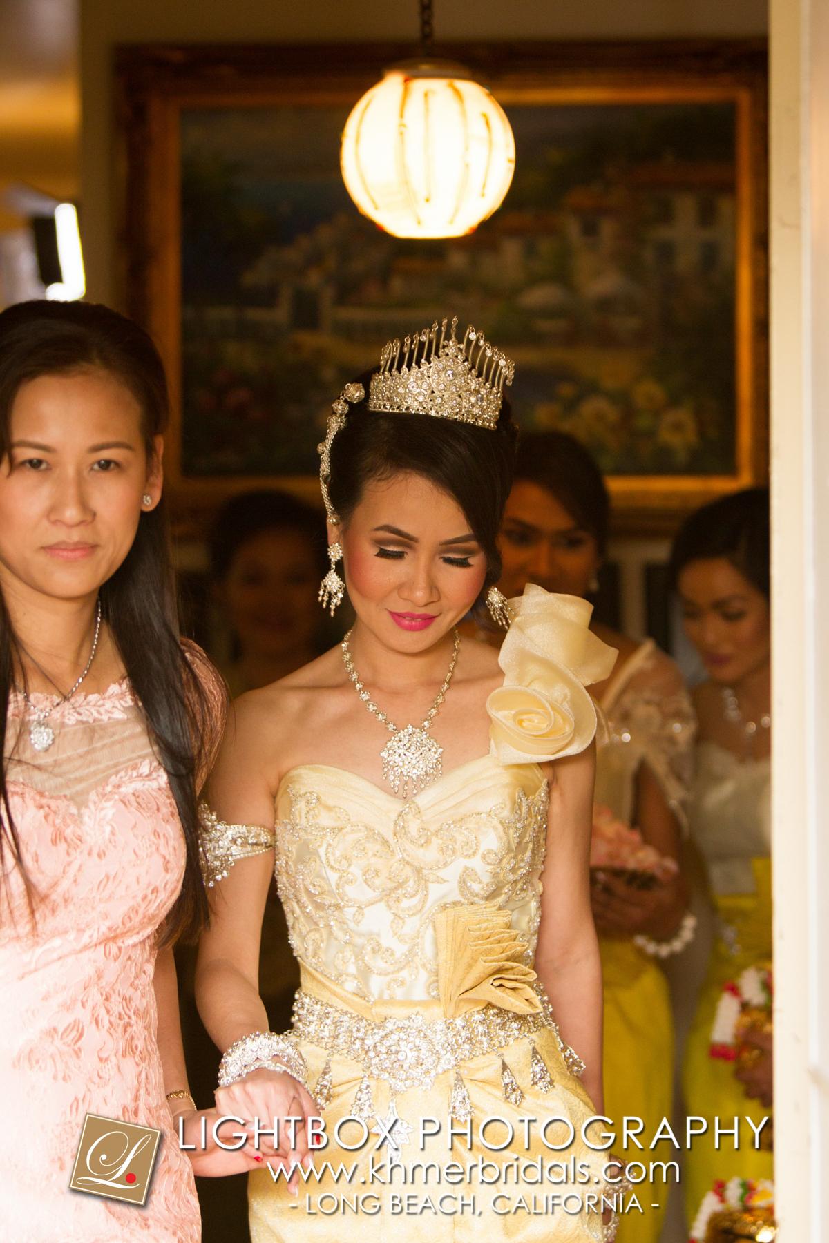 Khmer Bridal Wedding Photography video Apsara Studio Oufit-303.jpg