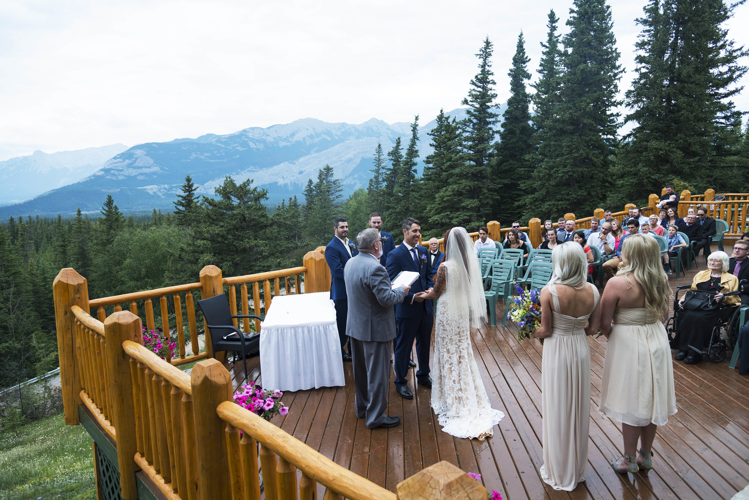 Jasper Weddings - Getting Married in Jasper National Park? We are fully licensed to operate in Jasper, and would love to capture your day in the rockies!