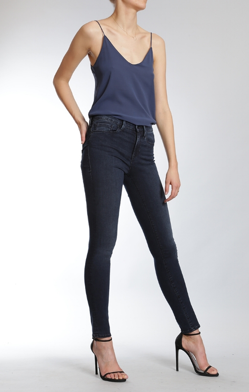 Mavi's Shanti fabric jeans have so much stretch to them!