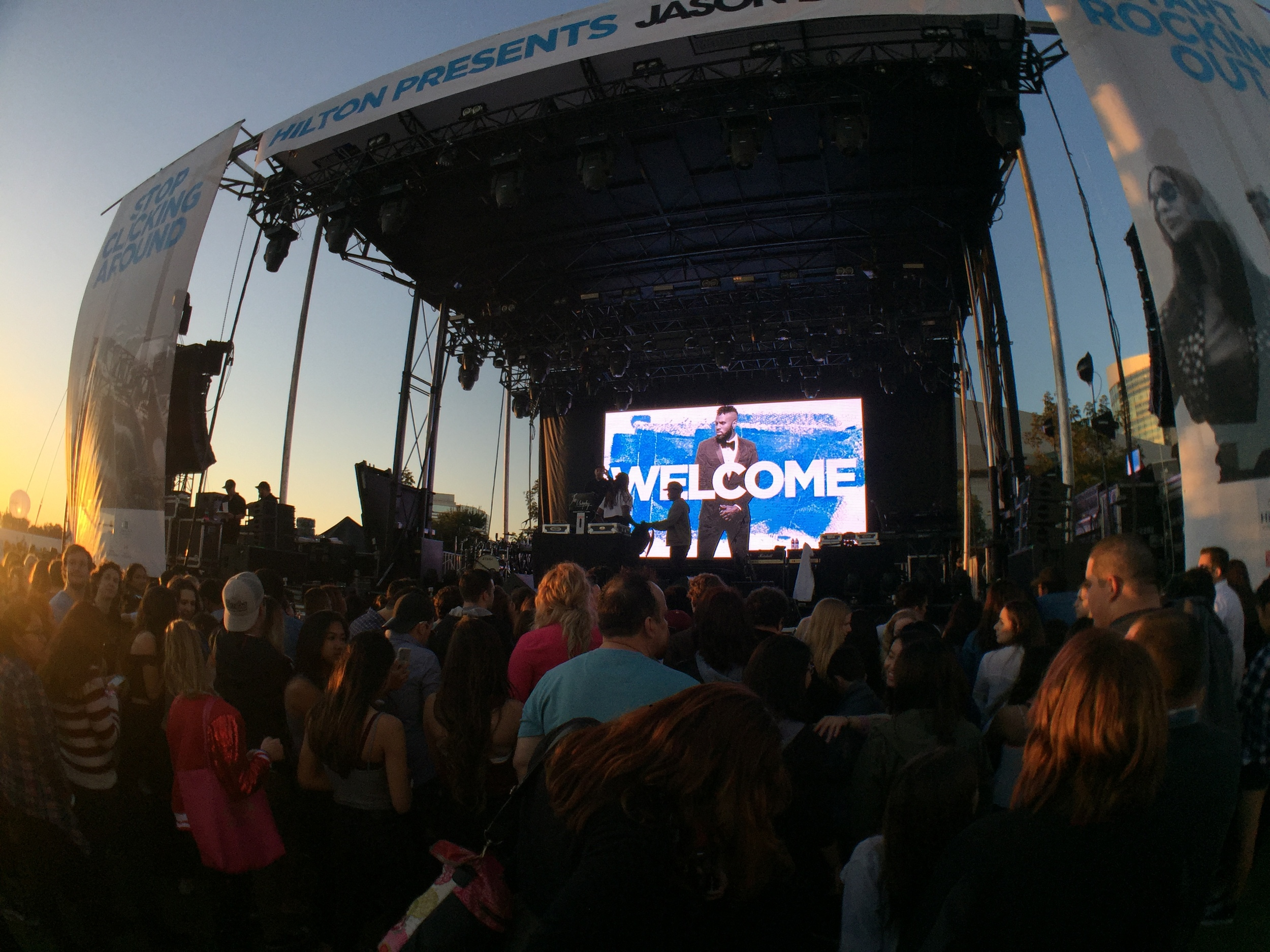 Crowds started gathering early—HHonors members of all levels were granted exclusive access to a free Jason Derulo concert right on the San Diego Bay. Let's see your other rewards programs do  THAT .