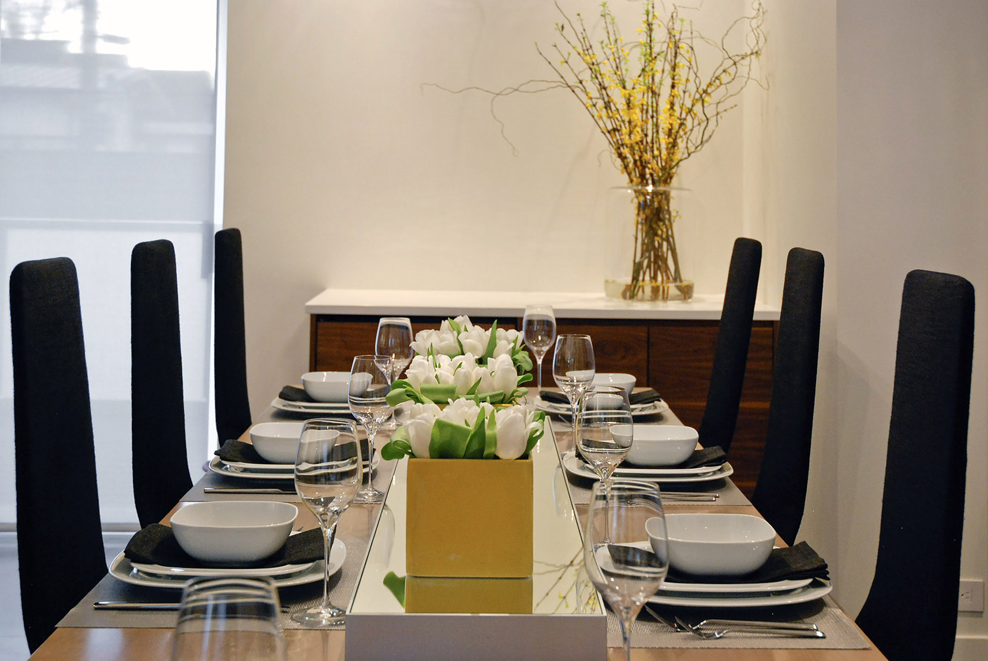 Custom Home - Dining Room Table.jpg