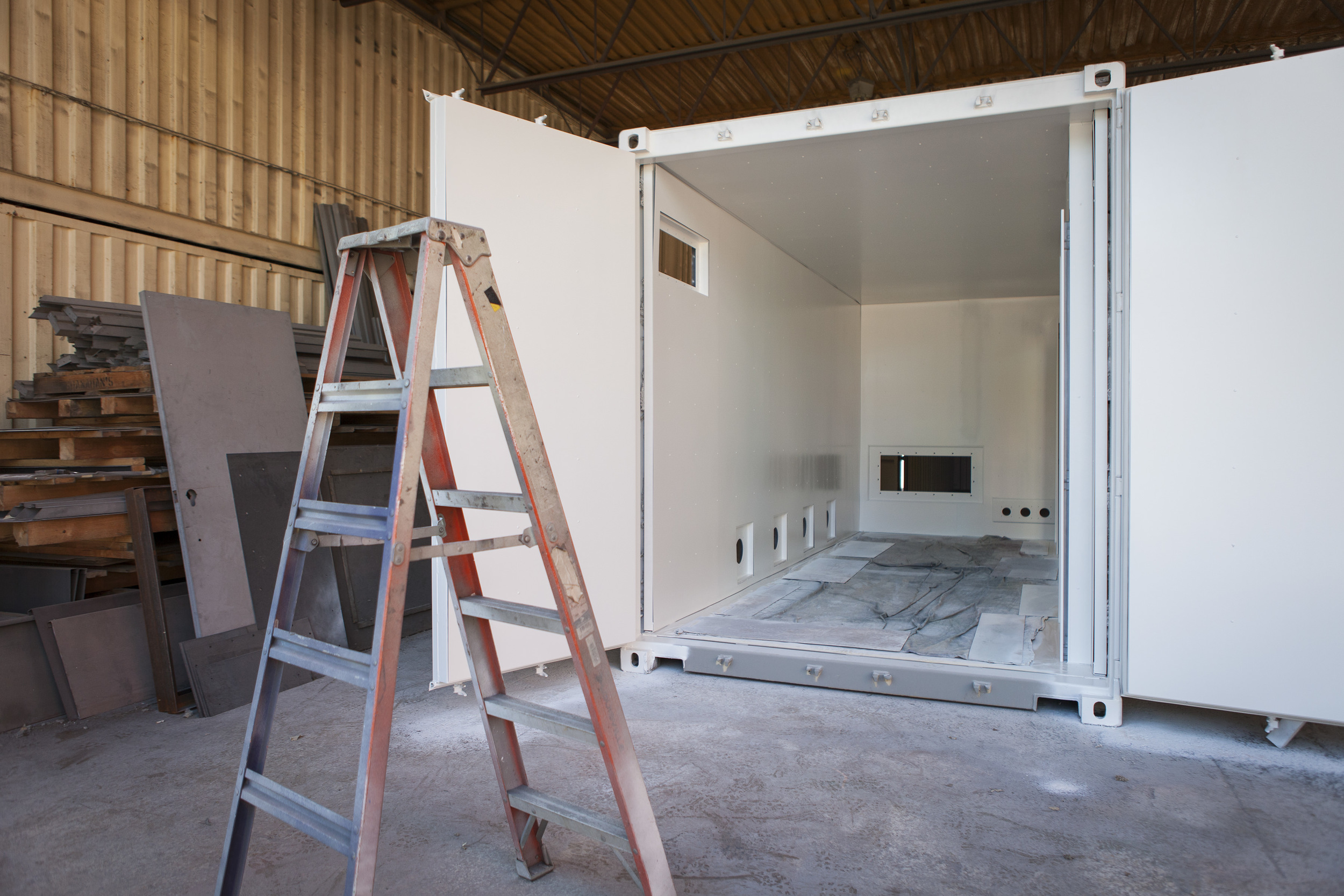Cratex Custom Container White Interior