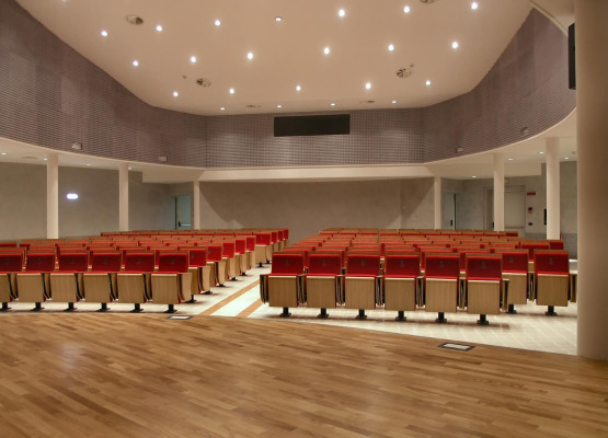 AUDITORIUM INTERNO BIG.jpg