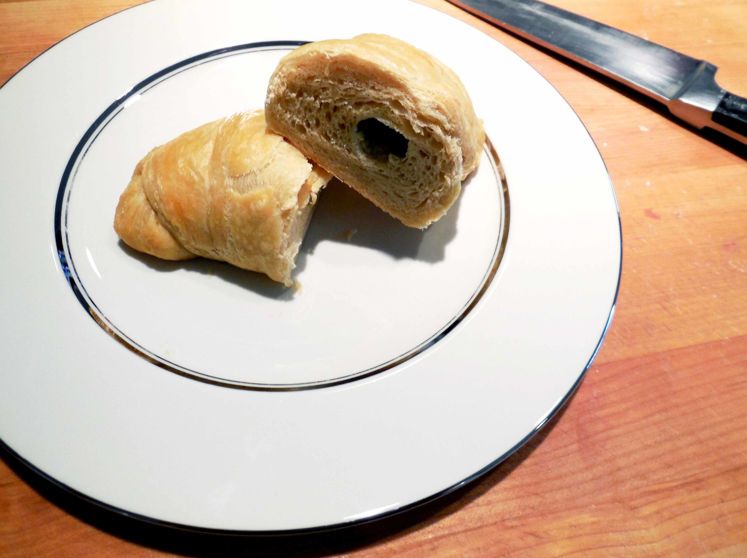 spikes_and_stardust_kimchi_blue_cheese_croissants_milk_bar_recipe_finished_croissant