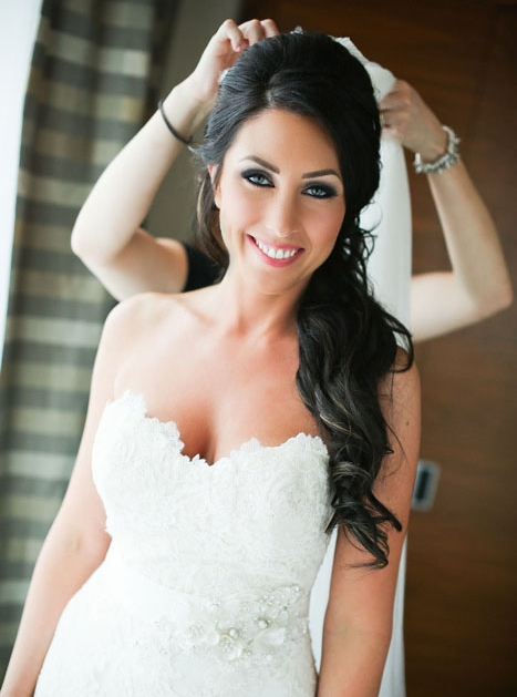 The veil is the finishing touch onRoxanne's beautiful wedding day look. Photo credit: Butter Studios
