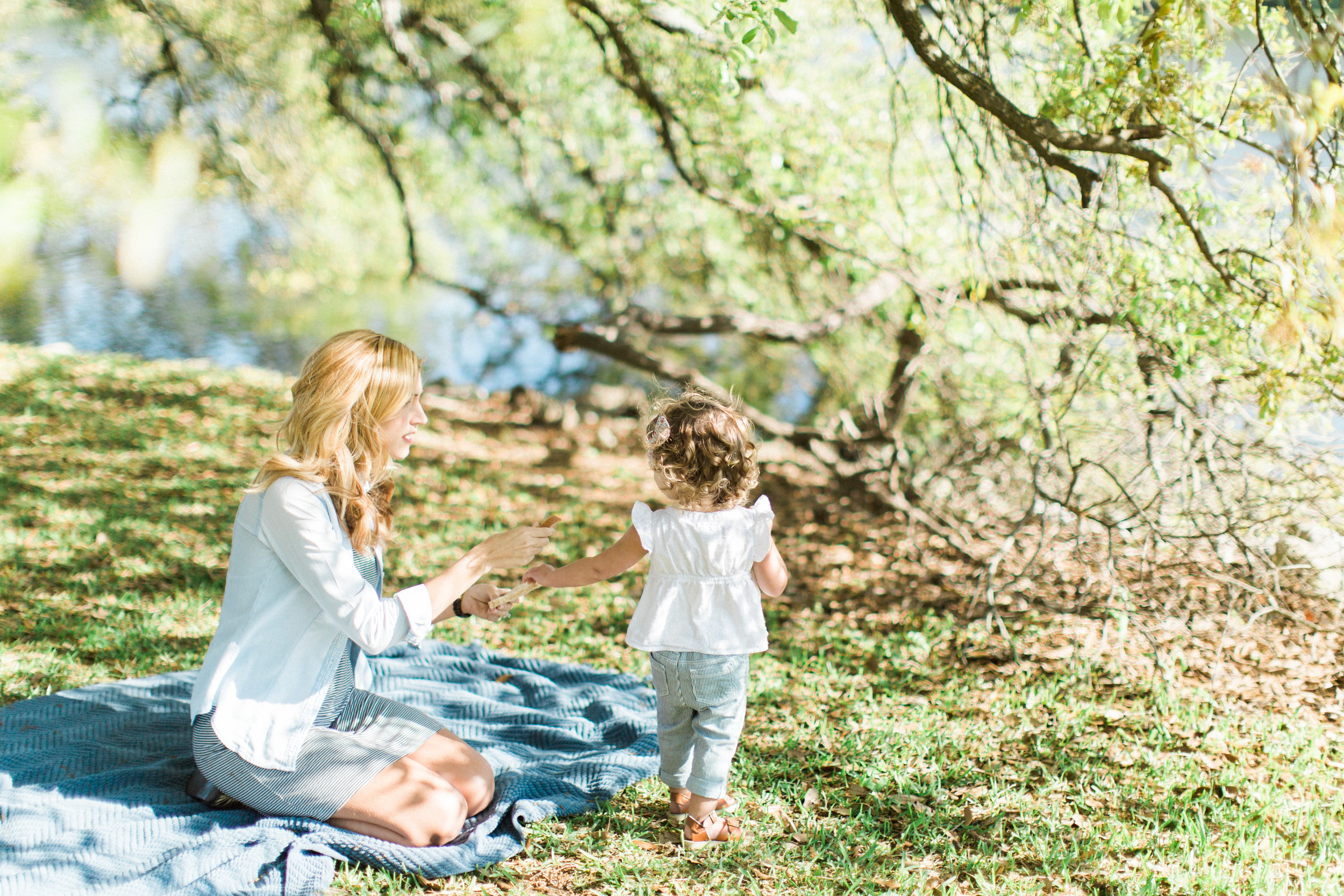 louisiana-spring-outdoor-lifestyle-portraits-Rebecca-Evie