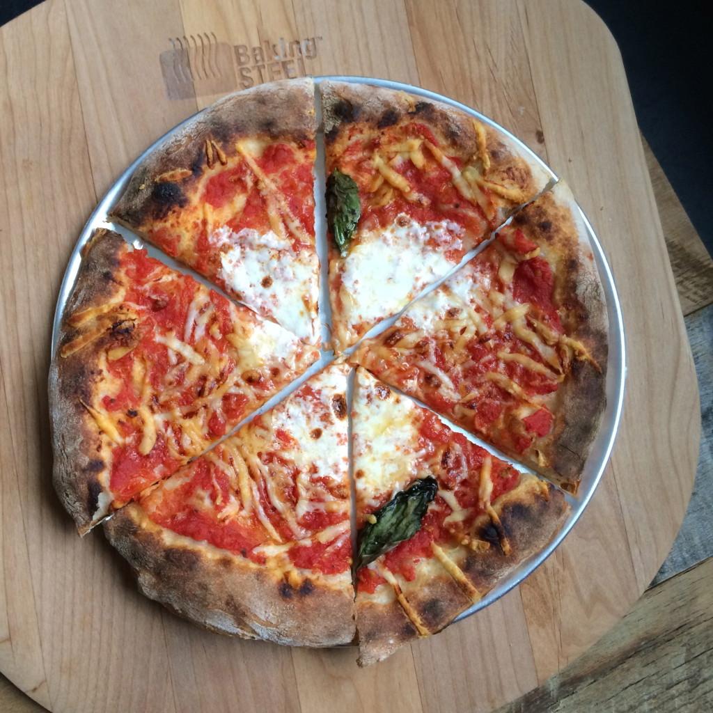 slice and serve pizza