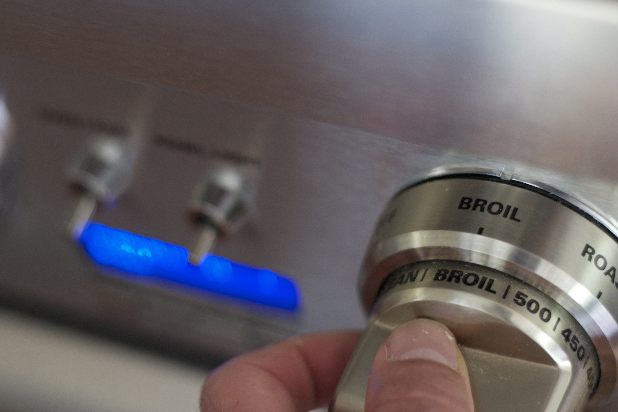 turn the dial to broil