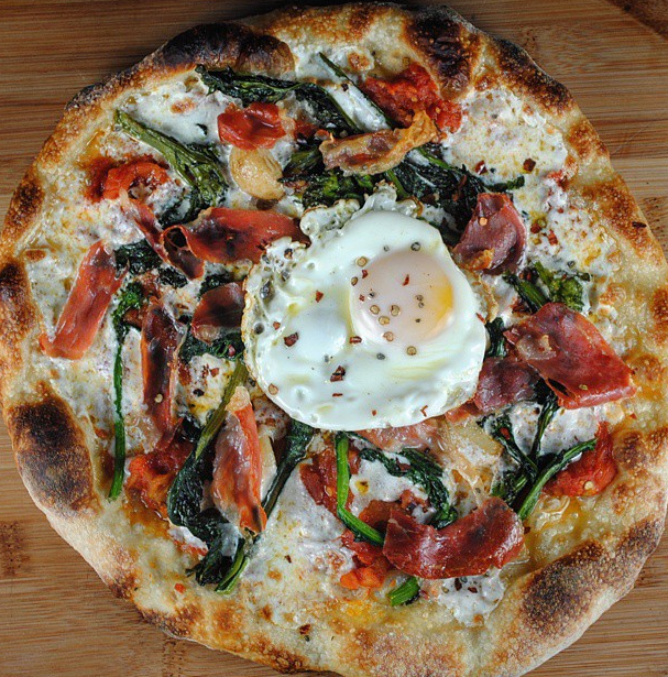 A Baking Steel pizza...topped with an egg...we're in! Thank you to Manny,  @fresh22168 , for sharing this masterpiece!