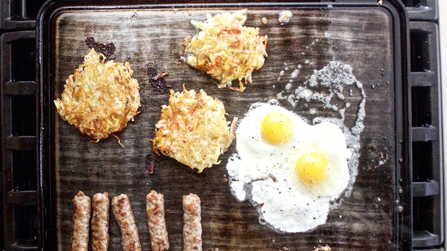 breakfast hash browns with eggs and sausage