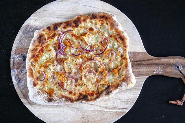 @domowapizza Perfect crust!