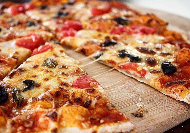 @kirkkirkham The most perfect thin crust!