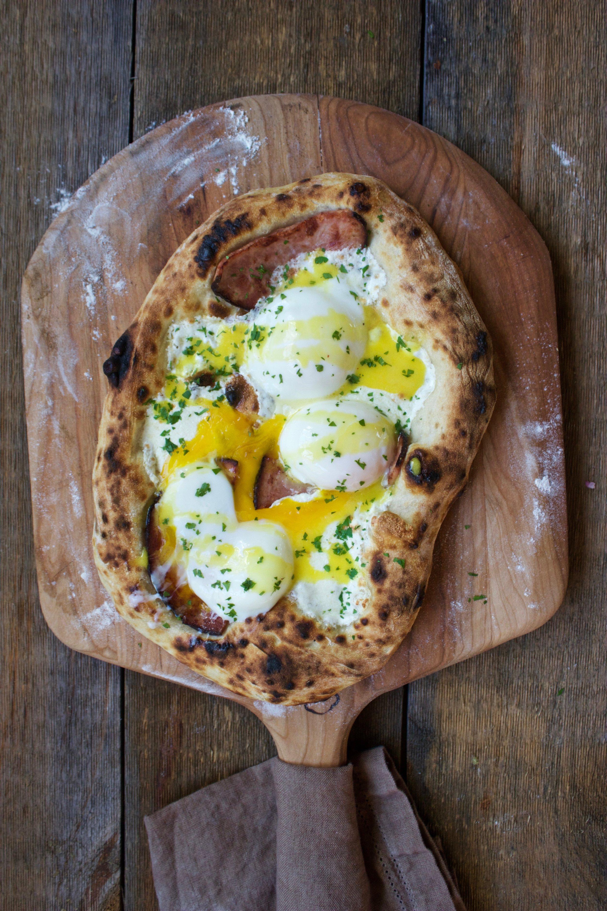 sous vide egg pizza