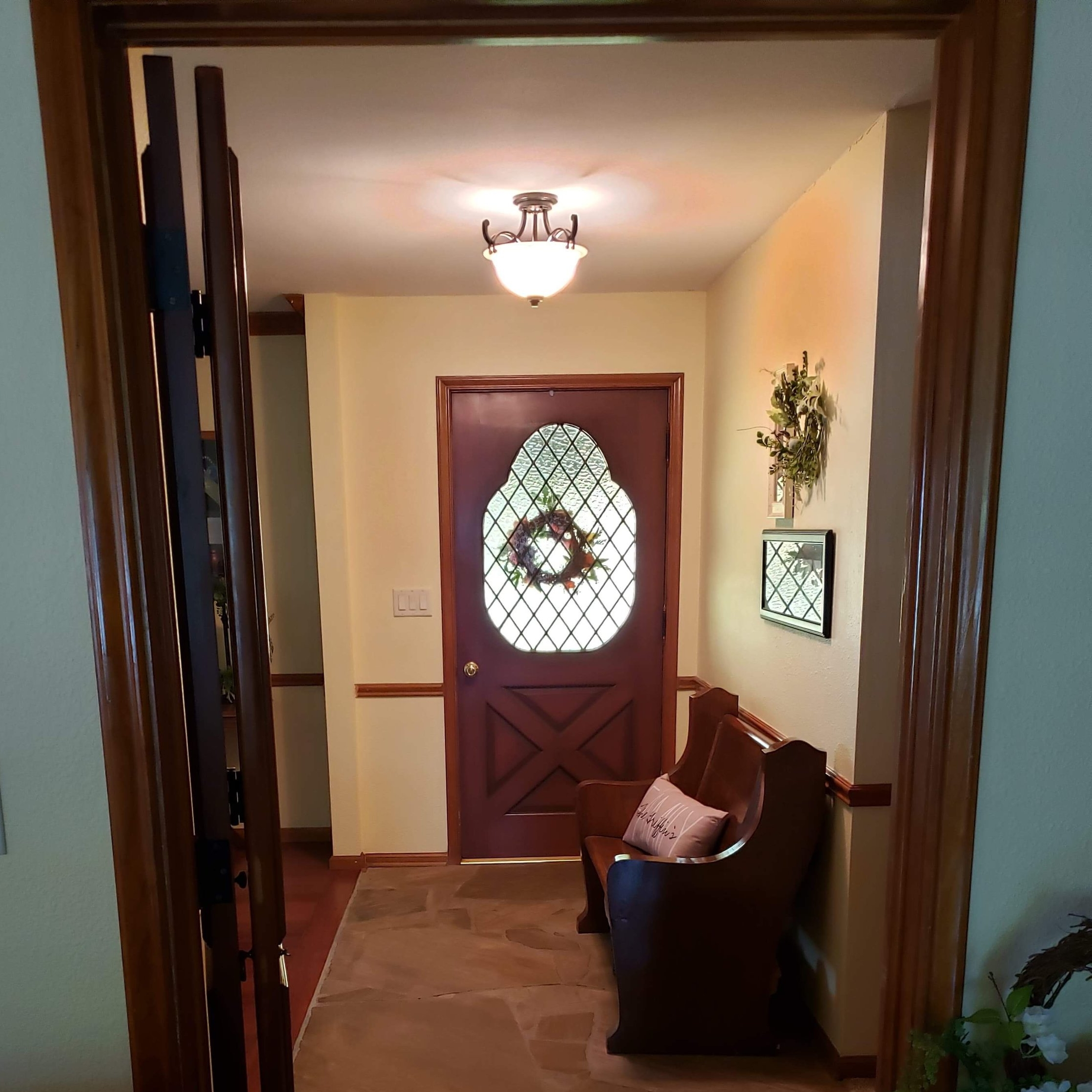 ENTRY AREA FROM FAMILY ROOM