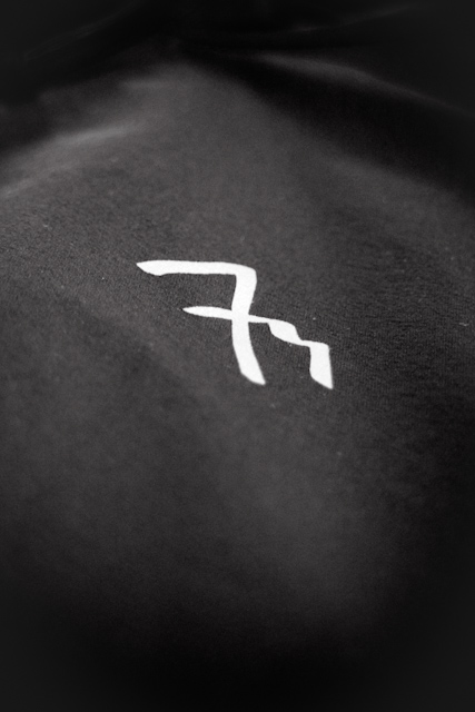 7mesh S2S jersey -printed logo on front chest