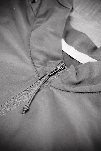7mesh S2S jersey - collar and zipper detail