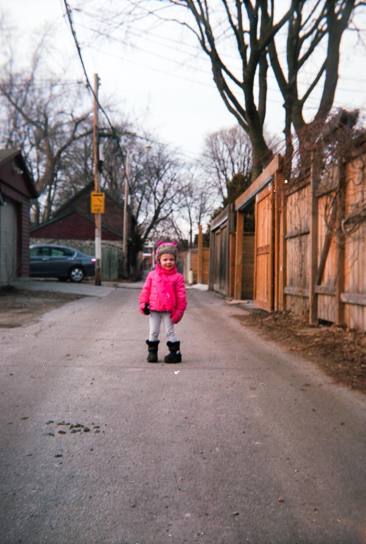 modernfilmvintagecameras-lanewayportrait