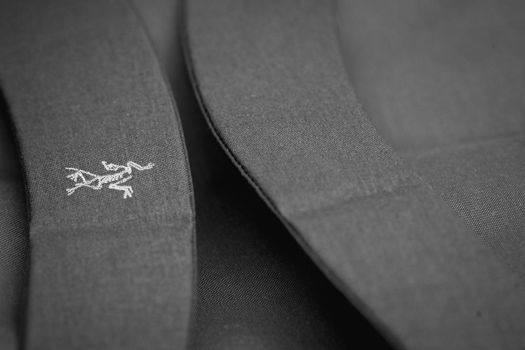 Arc'Teryx-Covert-ICO-branding-strap