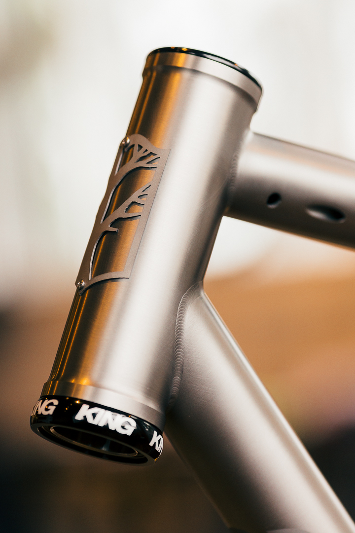 Weld detail and massive 44mm headtube and CK Inset 8 headset on the Mosaic RT-1