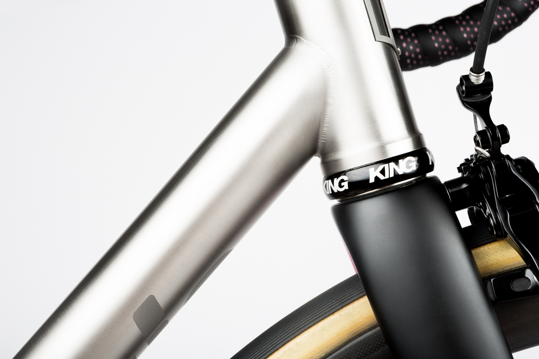 Overside 44mm head tube with the Chris King Inset 7 headset